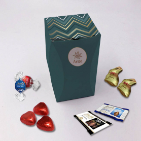 Curved Rectangle Box - Personalized with Lindt chocolates