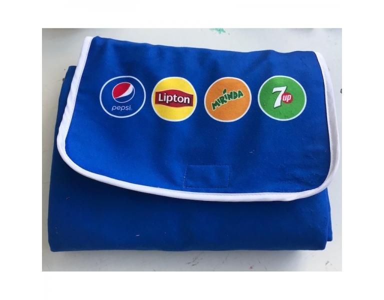 Tout savoir sur la nappe pique-nique à logo personnalisée de chez Magic-print